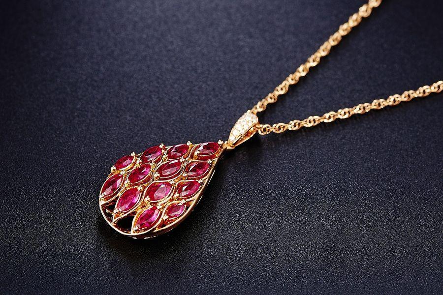 Rubin - biżuteria